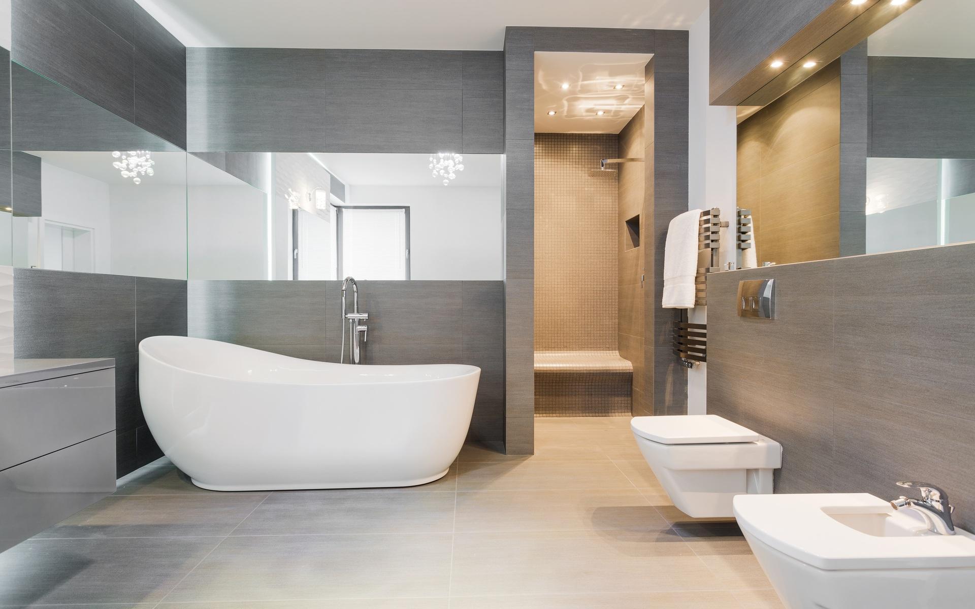 Freestanding bath in modern bathroom. | Brooklyn & Stevens